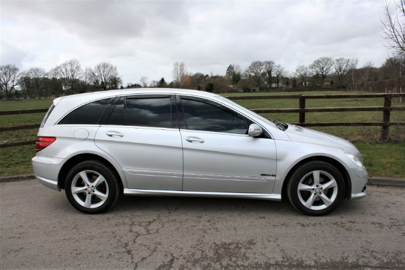 used Mercedes R320 CDI SE in aldershot-hampshire