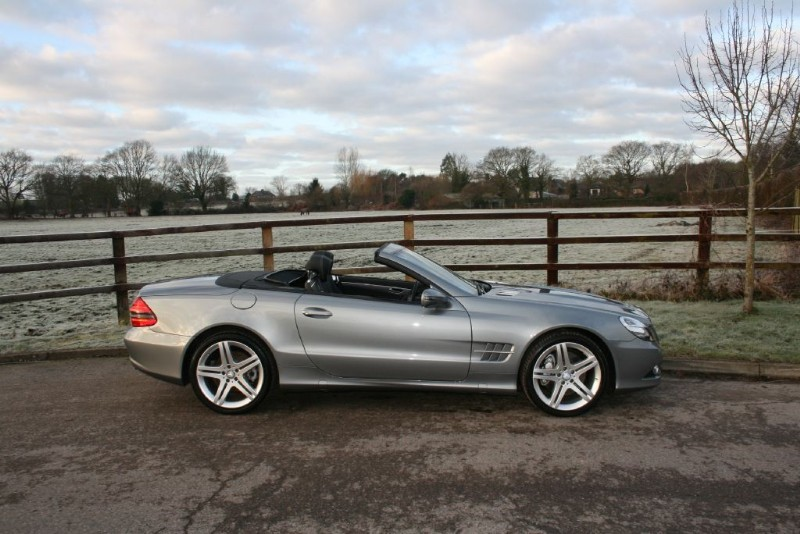 used Mercedes SL SL350 in aldershot-hampshire