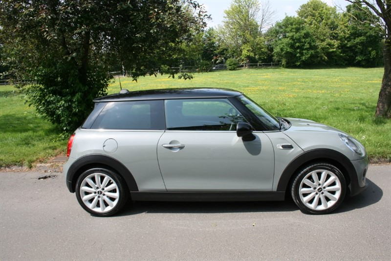 used MINI Cooper COOPER D in aldershot-hampshire