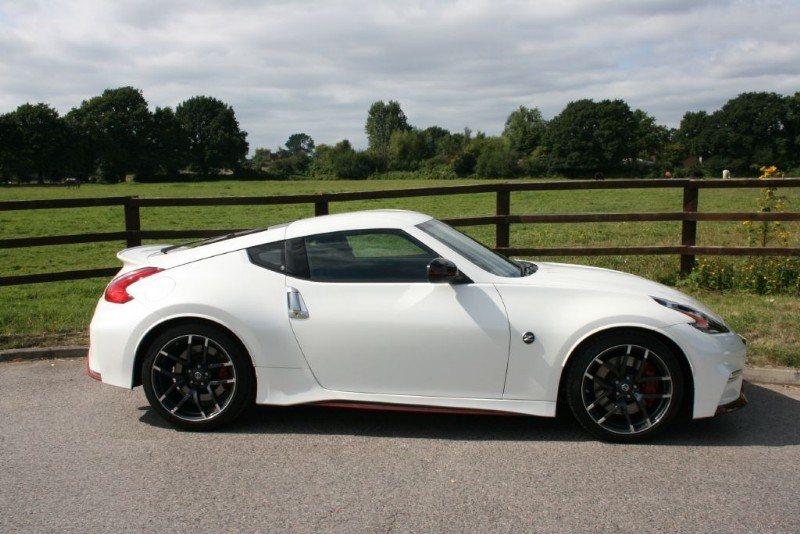 used white nissan 370z for sale surrey. Black Bedroom Furniture Sets. Home Design Ideas