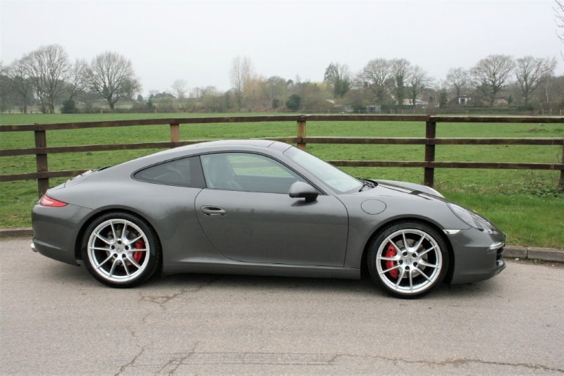 used Porsche 911 991 CARRERA S PDK (pano roof/bose/sports exhaust/PCM)) in aldershot-hampshire