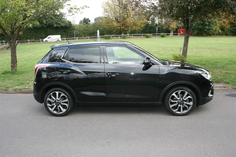 used Ssangyong Tivoli ELX in aldershot-hampshire
