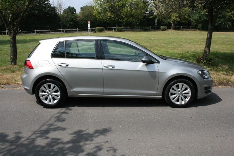 used VW Golf SE TDI BLUEMOTION TECHNOLOGY in aldershot-hampshire
