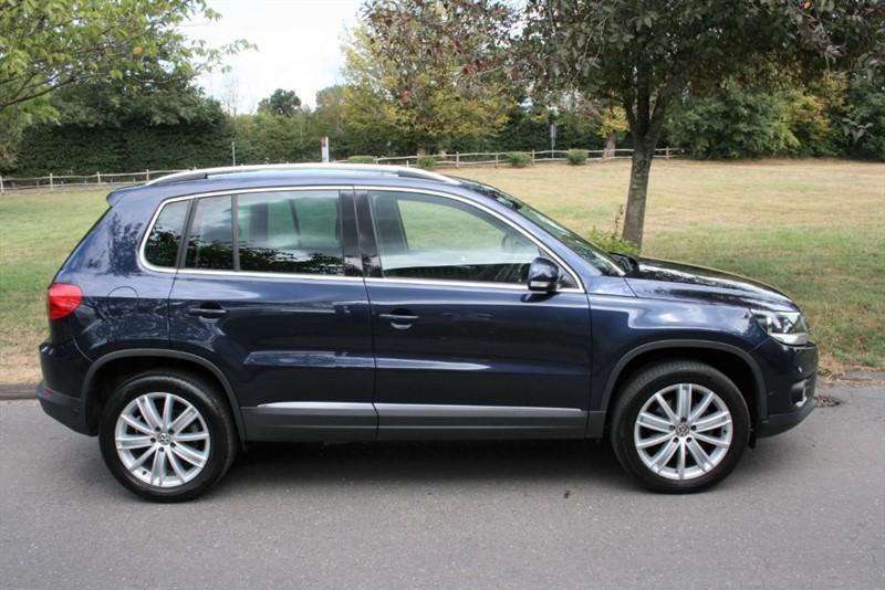 used VW Tiguan SE TDI BLUEMOTION TECHNOLOGY 4MOTION DSG in aldershot-hampshire
