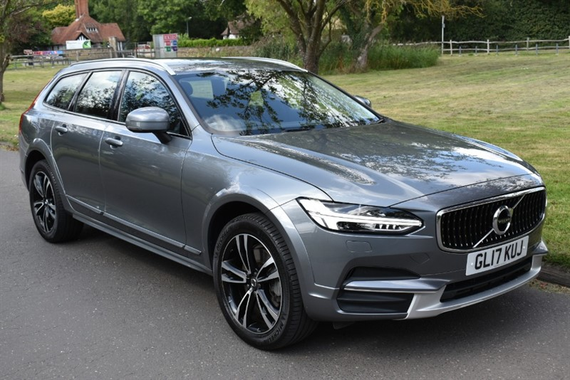 used Volvo V90 D4 CROSS COUNTRY AWD in aldershot-hampshire