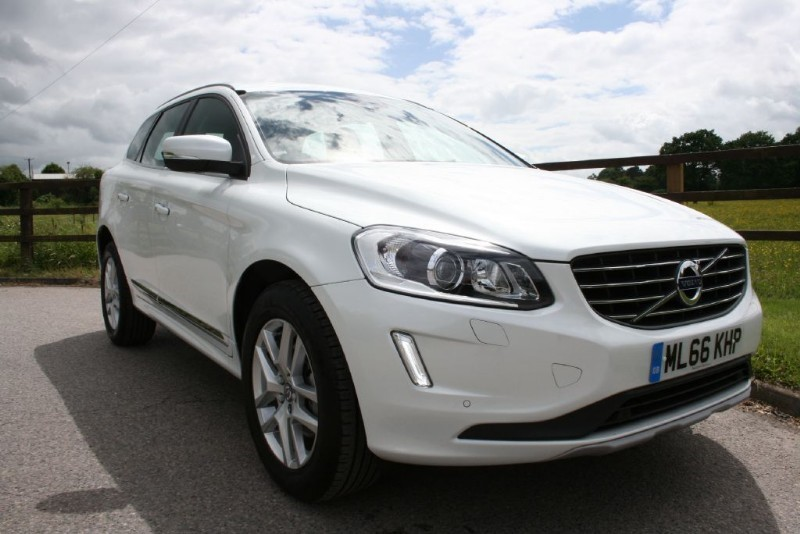 used Volvo XC60 D5 SE LUX NAV AWD (VAT QUALFYING) in aldershot-hampshire