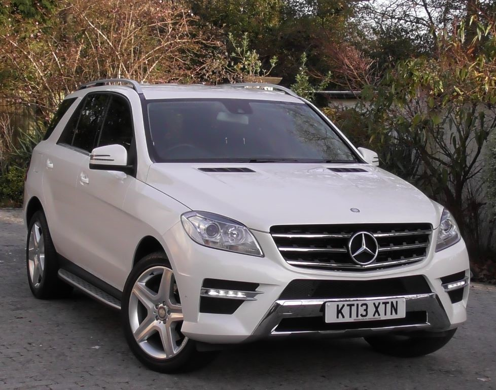 used diamond white met with black leather dinamica mercedes ml350 for sale surrey. Black Bedroom Furniture Sets. Home Design Ideas