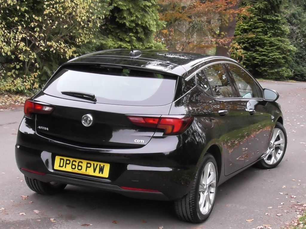 used mineral black metallic vauxhall astra for sale surrey. Black Bedroom Furniture Sets. Home Design Ideas