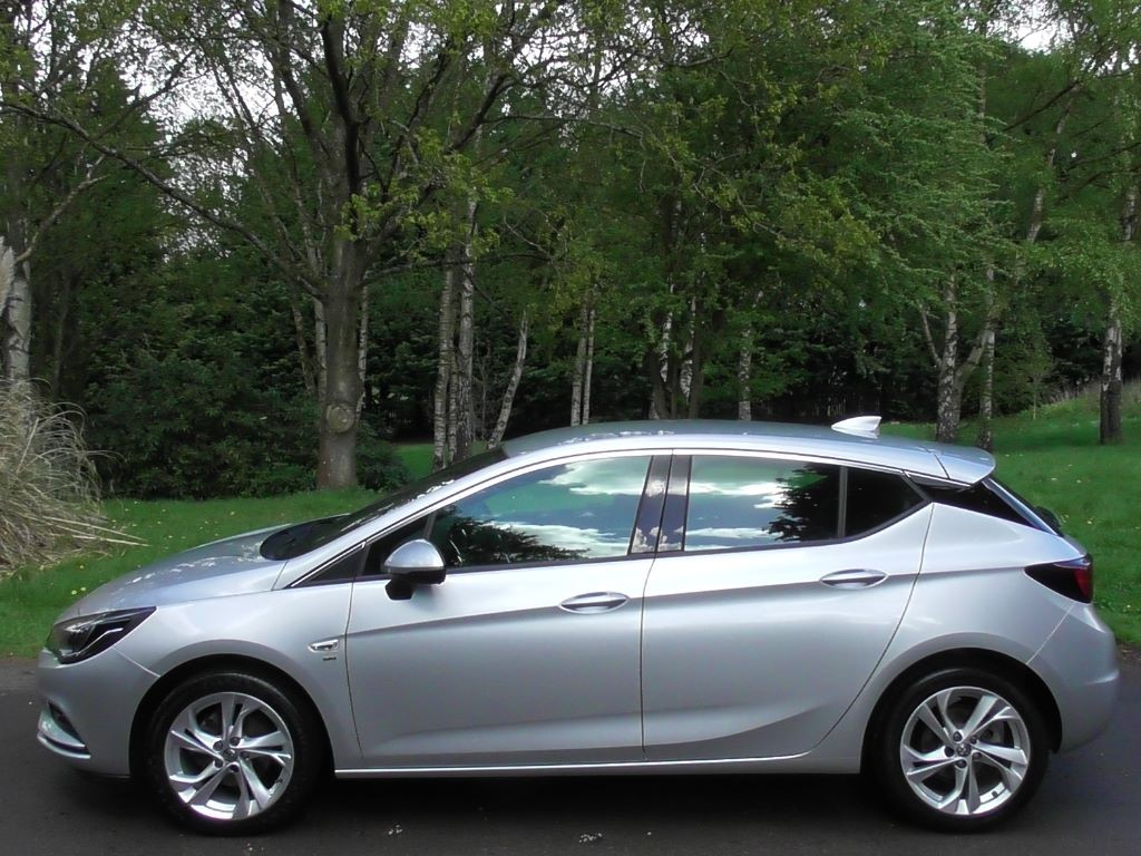 Used Sovereign Silver Metallic Vauxhall Astra For Sale