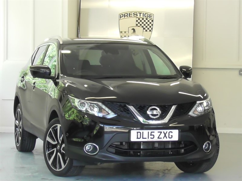 used Nissan Qashqai TEKNA DIG-T XTRONIC in windlesham-surrey