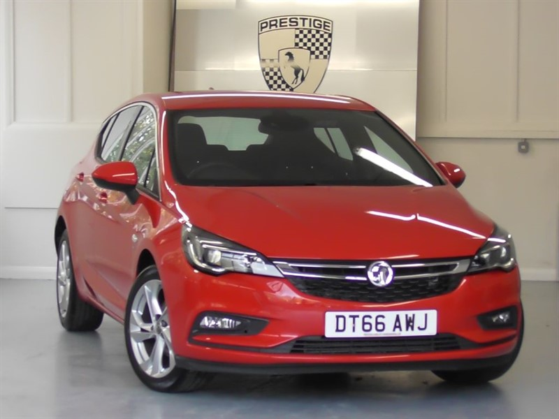 used Vauxhall Astra 1.4 Turbo SRI NAV S/S in windlesham-surrey