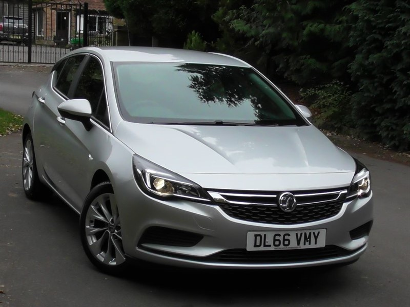 used Vauxhall Astra 1.4 Turbo DESIGN S/S in windlesham-surrey