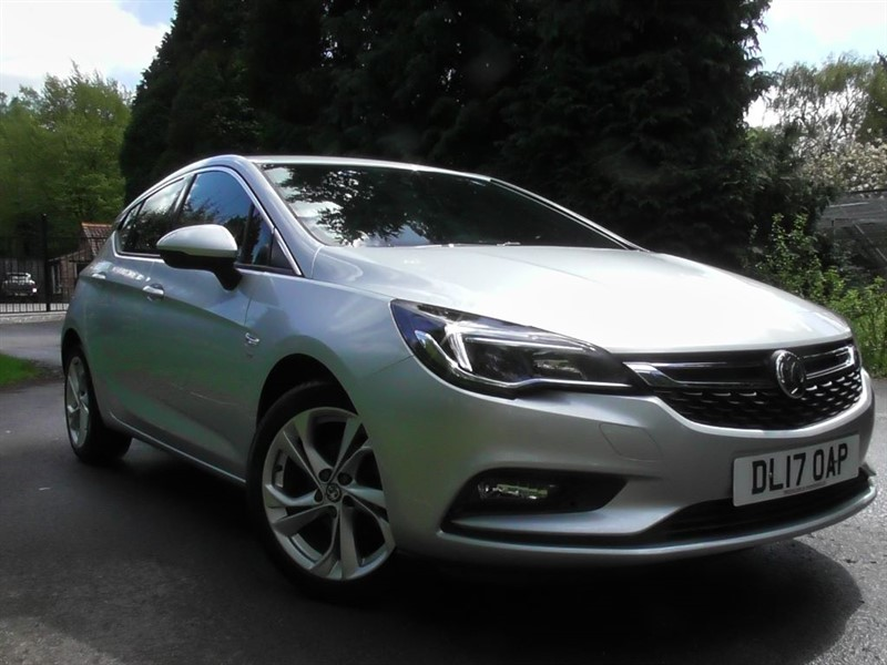 used Vauxhall Astra SRI NAV ECOFLEX S/S in windlesham-surrey