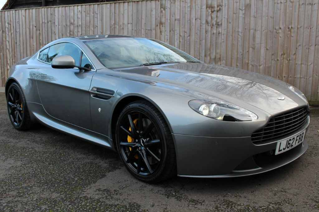 used Aston Martin Vantage 4.7 V8 COUPE 6 SPEED (SAT NAV) in Hampshire