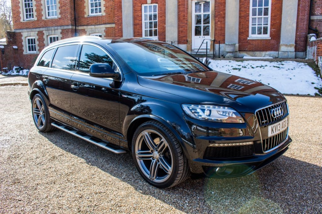 used Audi Q7 3.0 TDI QUATTRO S LINE PLUS (SAT NAV) in Hampshire