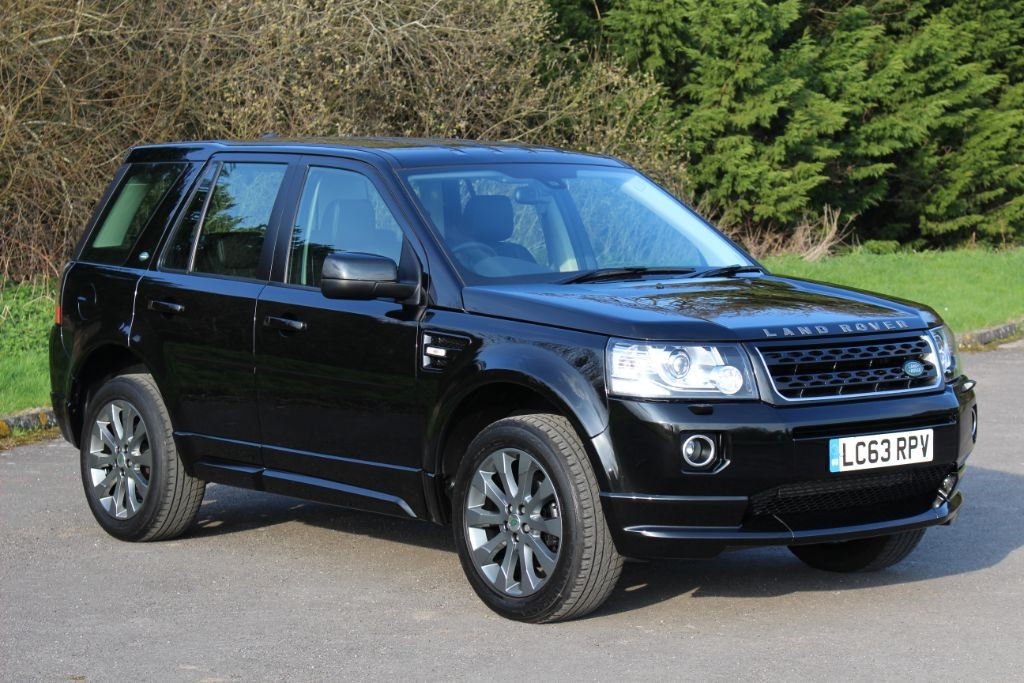 used Land Rover Freelander 2.2 SD4 DYNAMIC (Sat Nav) in Hampshire