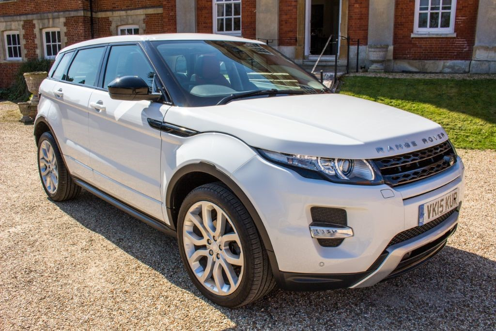used Land Rover Range Rover Evoque 2.2 SD4 DYNAMIC (SAT NAV) in Hampshire