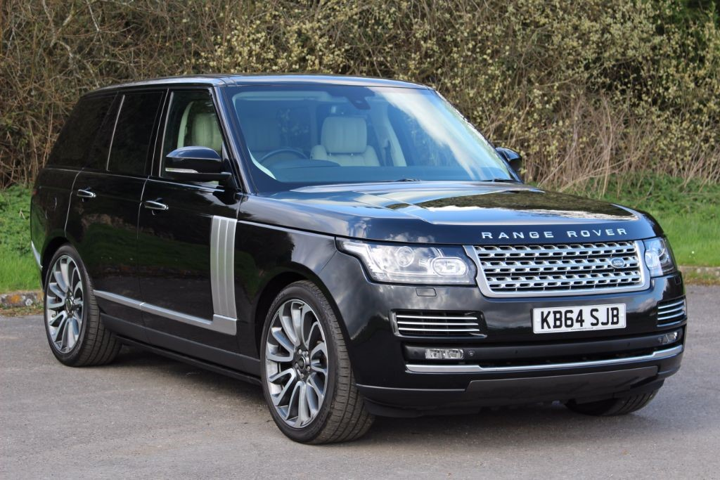 used Land Rover Range Rover 3.0TDV6 AUTOBIOGRAPHY (SAT NAV) in Hampshire
