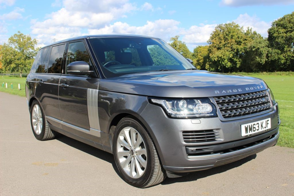 used Land Rover Range Rover 3.0 TDV6 VOGUE Auto (Sat Nav/TV) in Hampshire