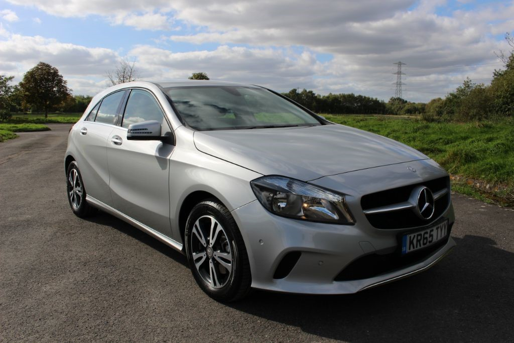 used Mercedes A180 SE EXECUTIVE 5 Door (SAT NAV) in Hampshire
