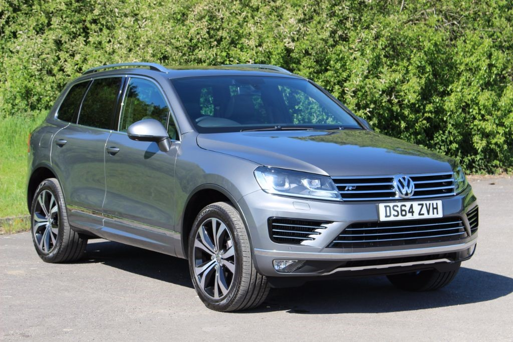 used VW Touareg 3.0 V6 R-LINE TDI BLUEMOTION TECHNOLOGY (Sat Nav) in Hampshire