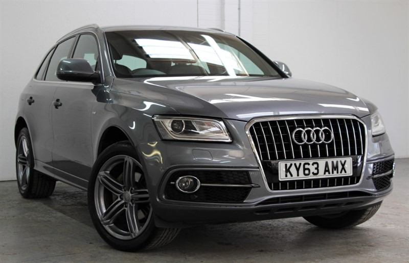 used Audi Q5 T FSi Quattro S Line [225] (RARE PETROL !! GREAT SPEC !!) in west-byfleet-surrey
