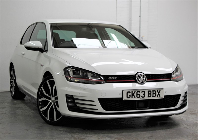 used VW Golf GTi Performance [230] (JUST STUNNING !!) in west-byfleet-surrey