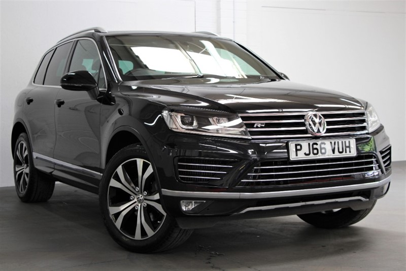 used VW Touareg V6 TDi R Line BMT [262] (FREE MAINLAND UK DELIVERY !!) in west-byfleet-surrey