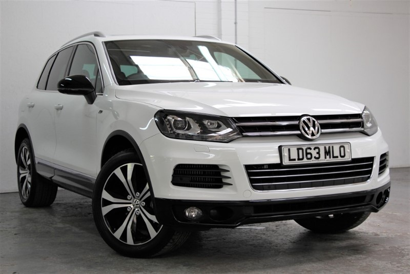 used VW Touareg Tdi V6 R Line BlueMotion [245] (PAN ROOF !! JUST 20900 MILES !!) in west-byfleet-surrey