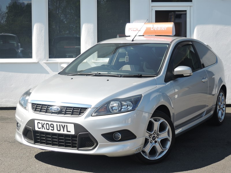 used Ford Focus ZETEC S S/S in WIRRAL