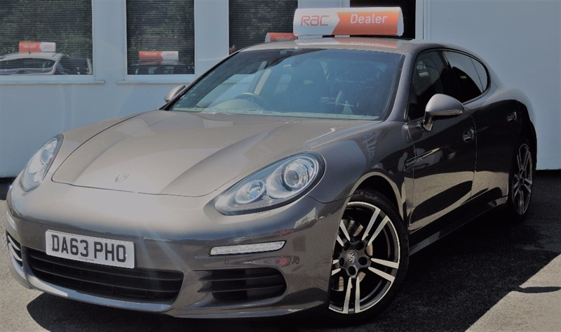 "used Porsche Panamera D V6 TIPTRONIC  20"" Turbo Alloys + Black Leather in WIRRAL"