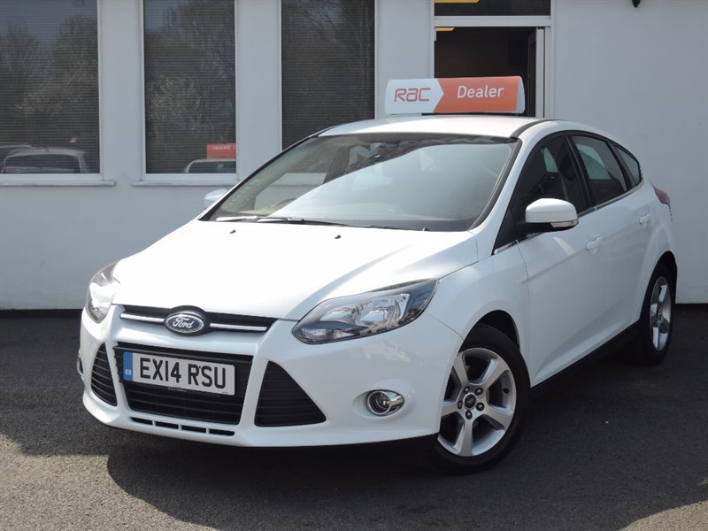 used Ford Focus ZETEC NAVIGATOR ECONETIC TDCI START/STOP in WIRRAL