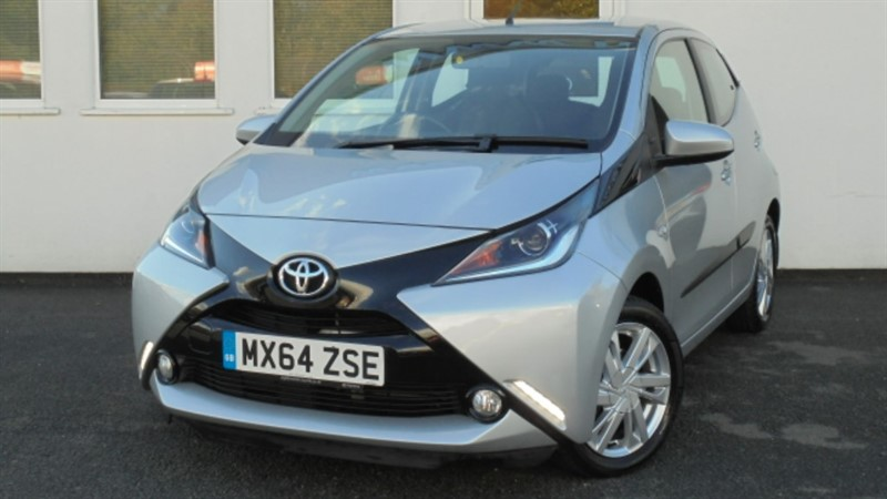 used Toyota Aygo VVT-I X-PRESSION X-SHIFT**Full Dealer History+Part Leather+Park Sensors** in WIRRAL
