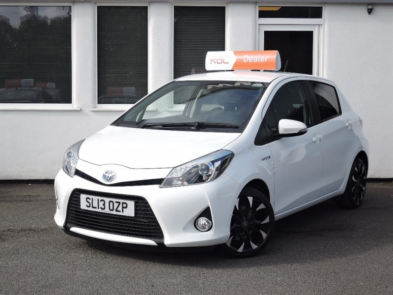 used Toyota Yaris T4 HYBRID in WIRRAL