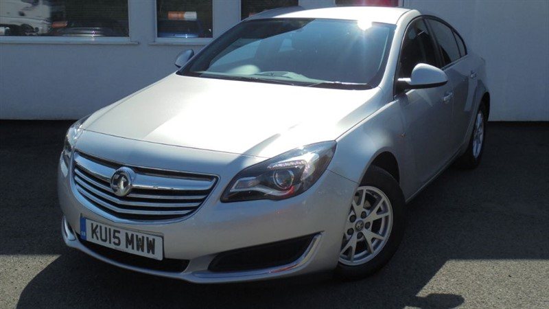used Vauxhall Insignia DESIGN NAV CDTI ECOFLEX S/S**FREE ROAD TAX** in WIRRAL