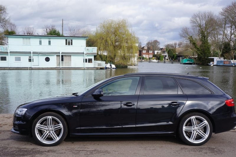 used Audi A4 AVANT TFSI QUATTRO S LINE BLACK EDITION in hampton-court-surrey