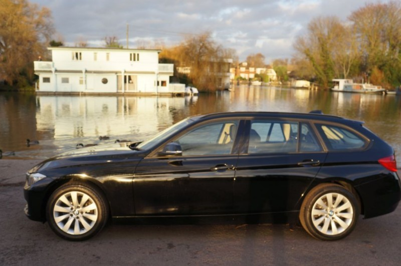 used BMW 318d MODERN TOURING in hampton-court-surrey
