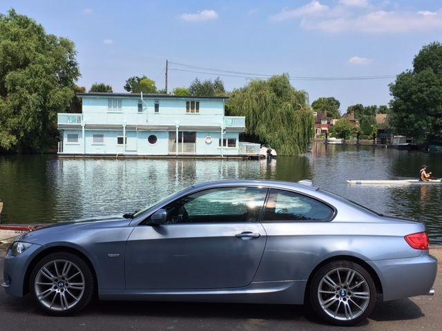 used BMW 320i M SPORT in hampton-court-surrey