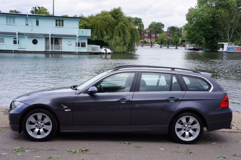 used BMW 325i SE TOURING in hampton-court-surrey