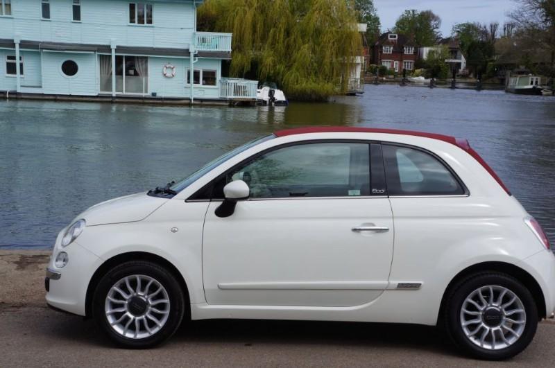 used Fiat 500 C LOUNGE in hampton-court-surrey