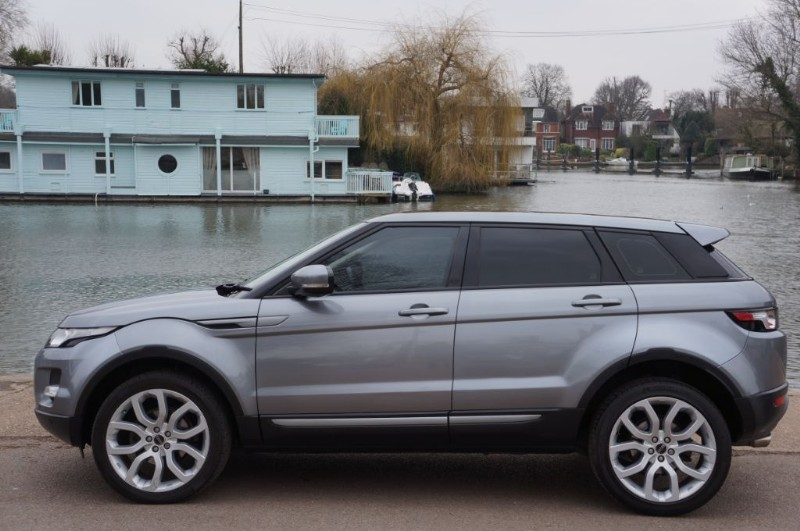 used Land Rover Range Rover Evoque SD4 PURE in hampton-court-surrey