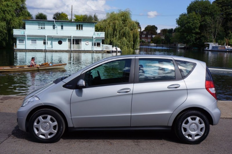 used Mercedes A160 BLUEEFFICIENCY CLASSIC SE in hampton-court-surrey
