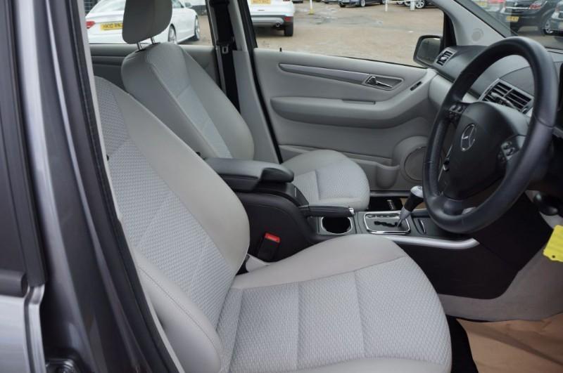 used Mercedes A170 AVANTGARDE SE in hampton-court-surrey