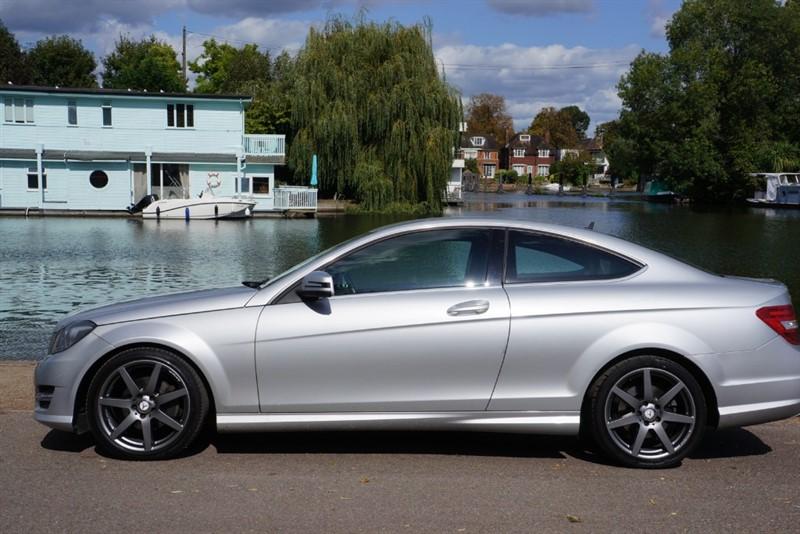 used Mercedes C220 CDI BLUEEFFICIENCY AMG SPORT in hampton-court-surrey