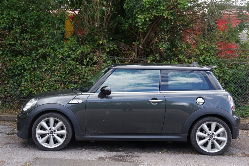 used MINI  COOPER S in hampton-court-surrey