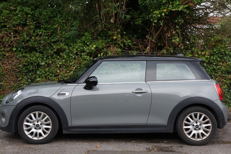 used MINI  COOPER in hampton-court-surrey
