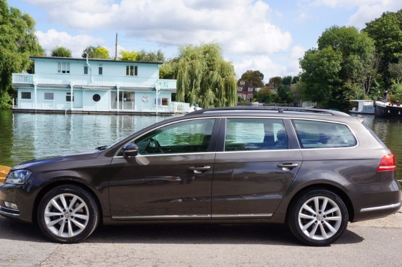 used VW Passat EXECUTIVE TDI BLUEMOTION TECHNOLOGY in hampton-court-surrey