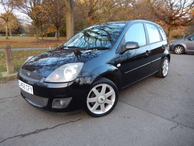Used Ford Fiesta ZETEC BLUE Limited Edition in croydon