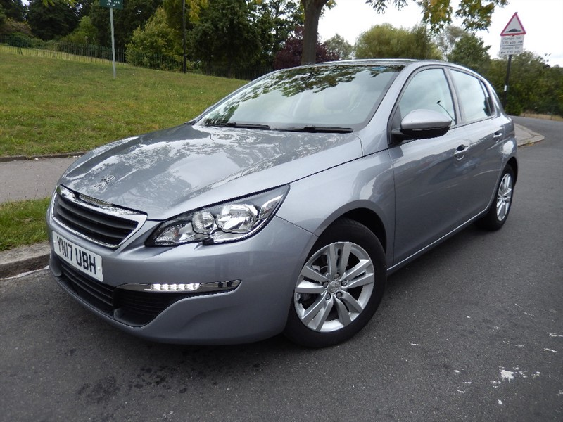 Used Peugeot 308 130 BHP S/S ACTIVE Sat Nav Automatic in croydon