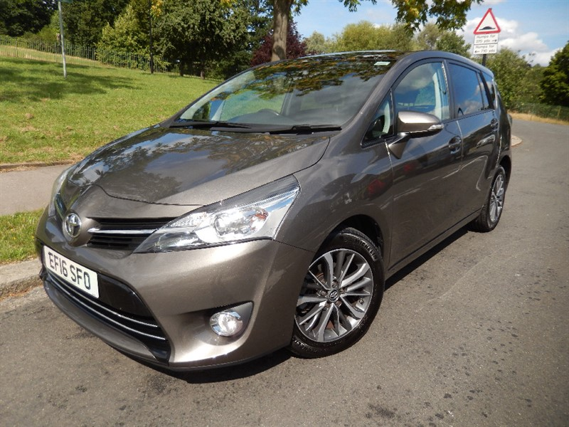Used Toyota Verso VALVEMATIC DESIGN Auto with Navigation in croydon